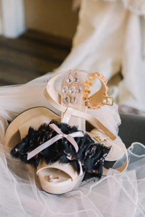 Phoenix wedding photography of bride's jewelry