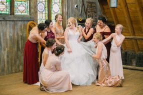 Phoenix wedding photography of bride and her bridesmaids
