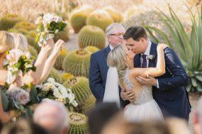 Phoenix wedding photograph of couples first kiss
